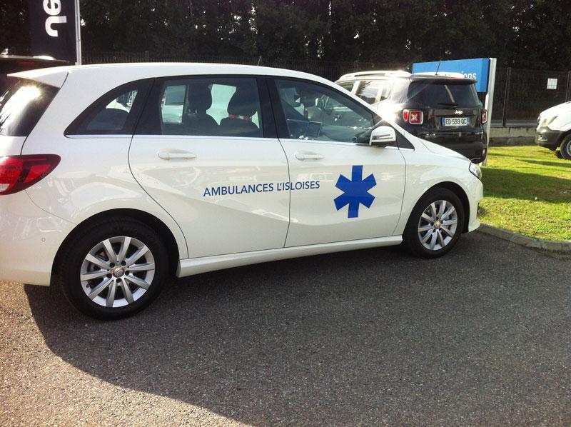 croix de vie et raison sociale en lettres découpées pour ambulance par webbycom