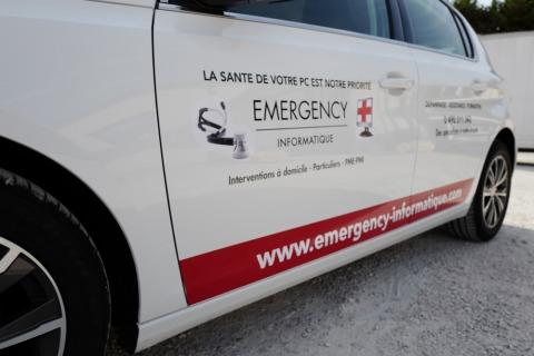 Marquage véhicule pour la société Emergency Informatique par Webbycom, agence de communication à L'Isle sur la Sorgue