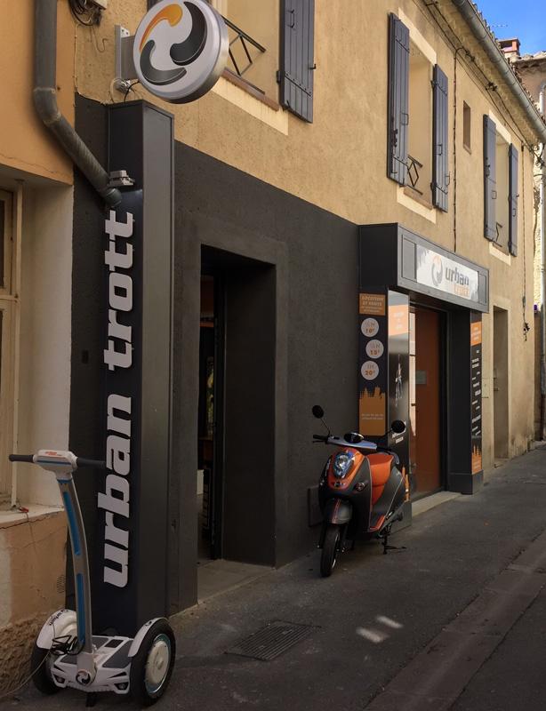 Signalétique magasin par webbycom, agence de communication à L'Isle sur la Sorgue.